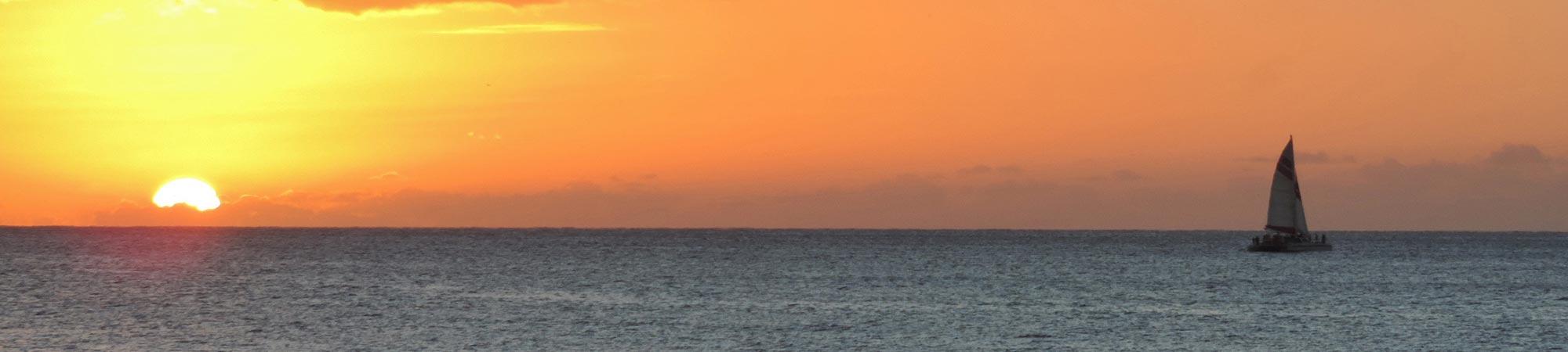 full-width-sunset-from-alihi-lani